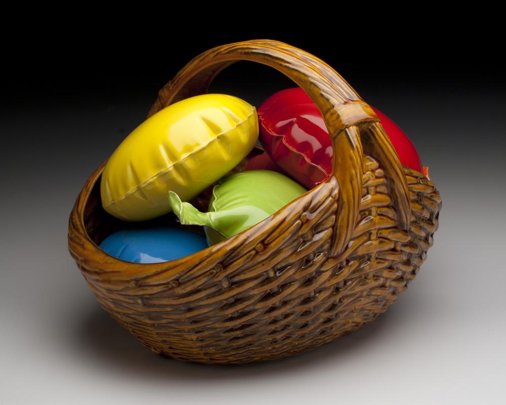 5_brett_kern_inflatable_ceramic_toys_ceramiczne_zabawki_american_design_amerykanskie_wzronictwo